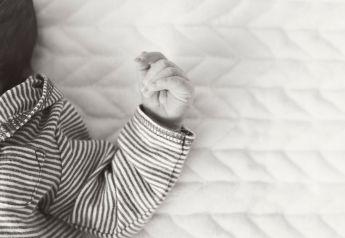 owen-newborn-60bw